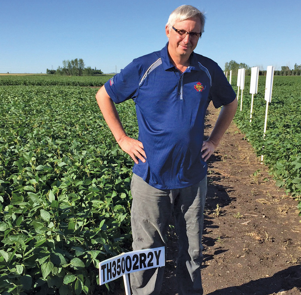 Rod Gendzelevich, president of Quarry Seed demonstrated their new for 2016 variety, TH 35002R2Y. This plot was grown in southeast Saskatchewan, by Brad Eggum.