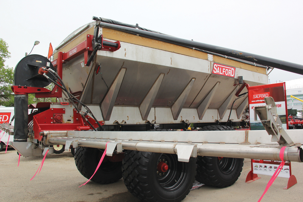 The design of the new model on display was created from a blend of technologies taken from existing products in the company's lines of MagnaSpread BBI spinner spreaders and Valmar air booms.