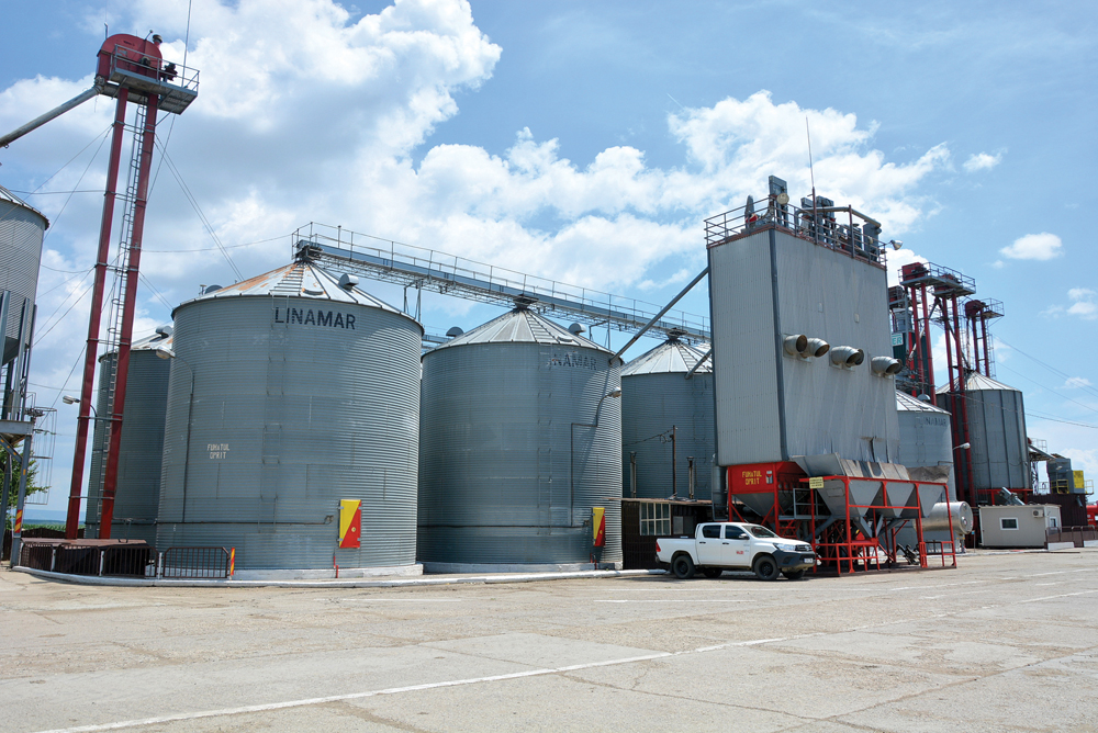 The Agricost farm has over 50,000 tonnes of grain storage.