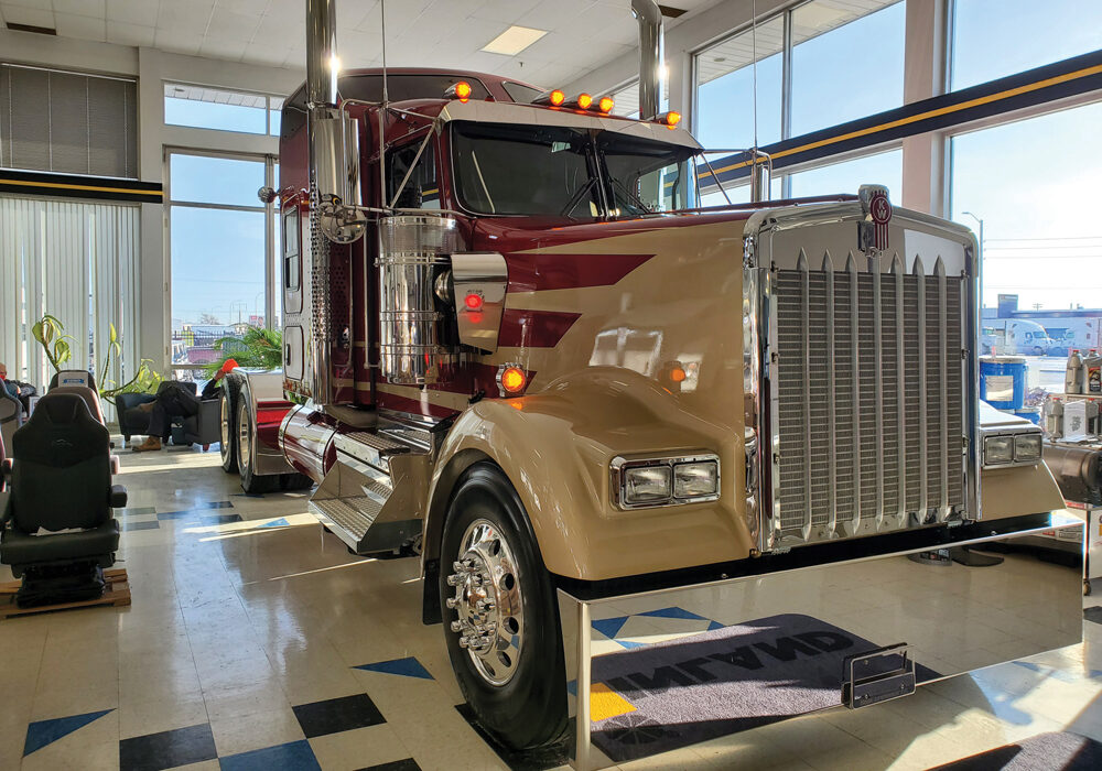 The Kenworth W900L offers a classic look meant to appeal to buyers who want some retro cool factor in their trucks.