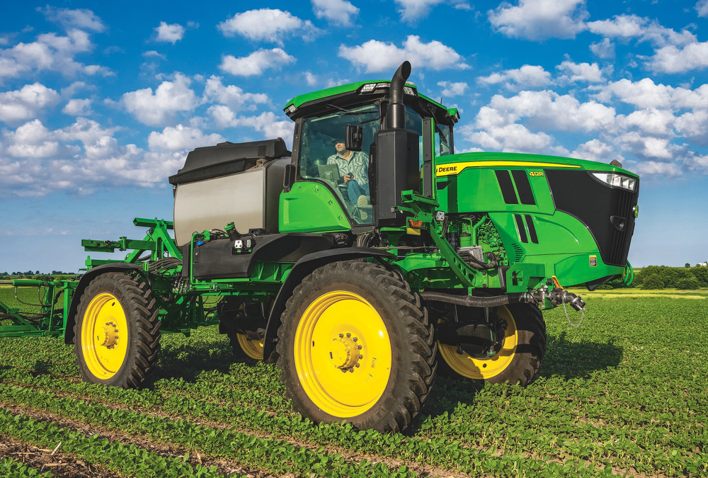 John Deere's upgraded model year 2022 400 and 600 series sprayers offer a new lineup of features and options.